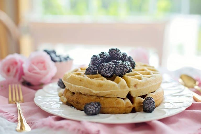 Waffles Breakfast Morning Berries  - JillWellington / Pixabay